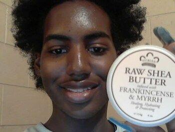 Видео обзор на мыло с сырым маслом Ши соевым молочком ладаном и Миррой 141 г