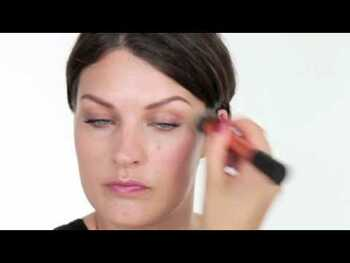 Видео обзор на Your Eyes Enhanced Fine Liner Brush