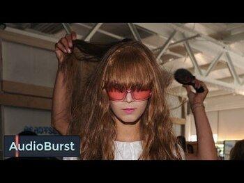 Видео обзор на Щетка для волос